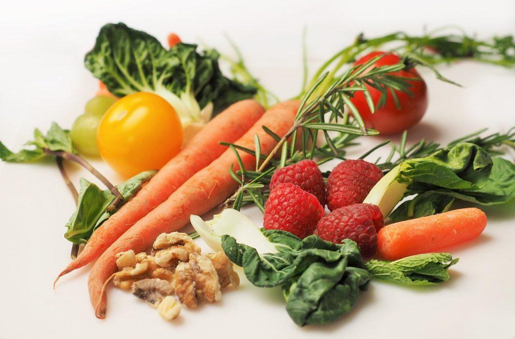 Antioxidanter i frukt, bär och grönsaker.